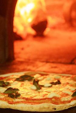 Una pizzeria a Ravenna? La Campaza offre la miglior pizza di qualità